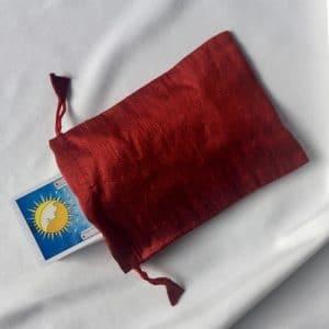 pochon en soie rouge